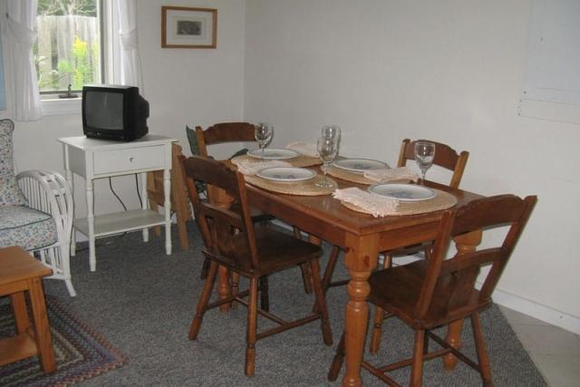 aldernest den dining room