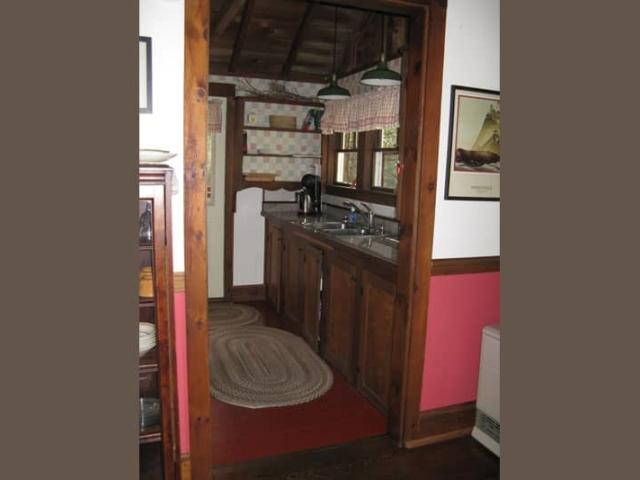 Cedarledge Cottage kitchen
